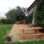 winnica-knapow-cmielow-opatow-ostrowiec-swietokrzyski-odpoczynek-relaks-stol-lawa-natura-degustacja-zielen