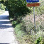 Winnica Knapów gmina Ćmielów drogowskaz znak drogowy