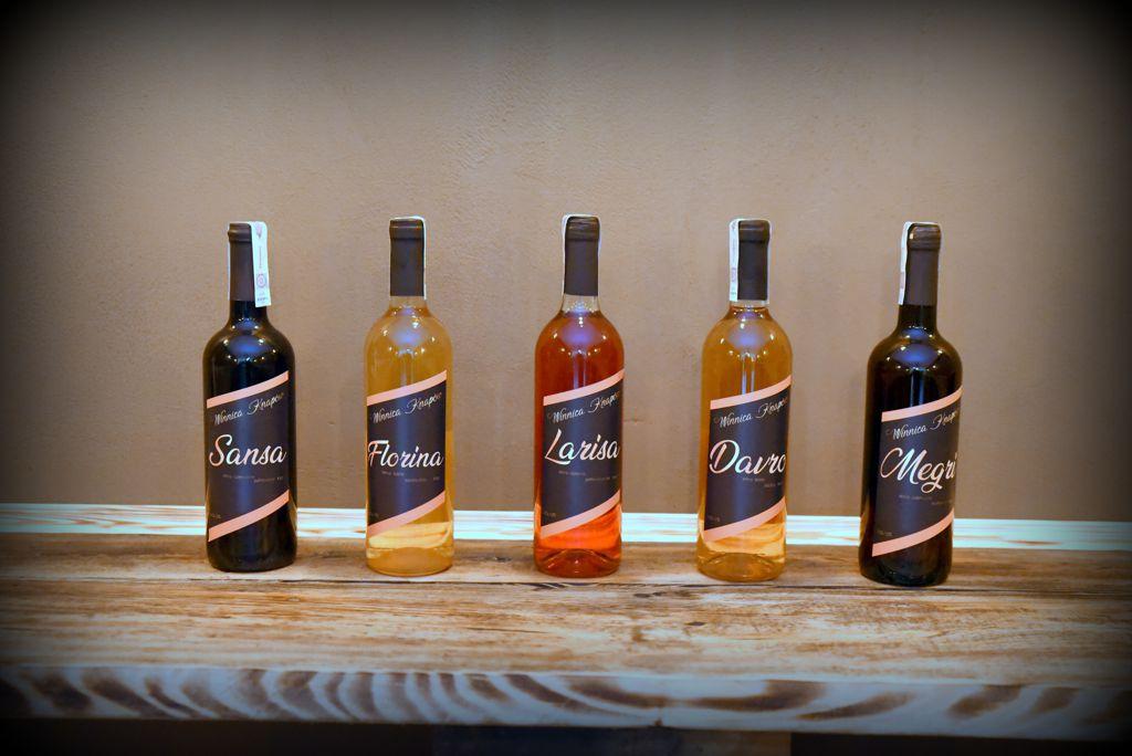 winnica-knapow-wino-biale-wino-czerwone-wino-rozowe